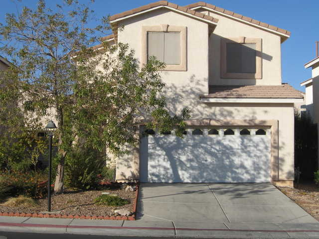Lv Mls #995526 - 4 Bdrm / 2.5 Ba 1786 Sq Ft