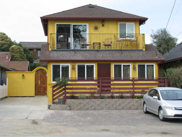 The East Cliff Yellow Beach House - Ocean View Luxury Vacations!