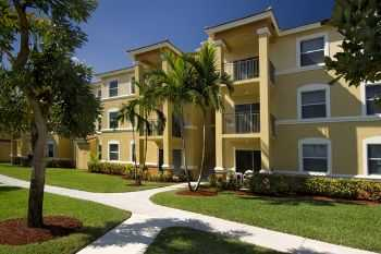 Pembroke Pines Apts: Near Beaches Entertainment