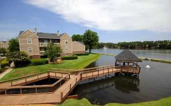 Redesigned Apt Homes On A 21 Acre Fishing Lake!