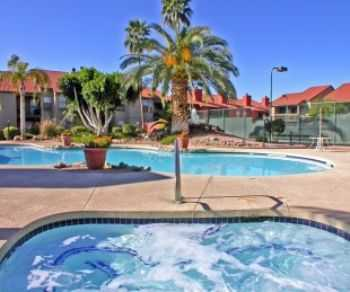 Easy Access To Us 60 Phoenix! Pet Friendly!