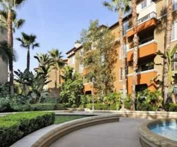 West L A Luxury Apts! Modern Amenities Kitchens!