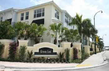 Luxury Living In A Community In Plantation!