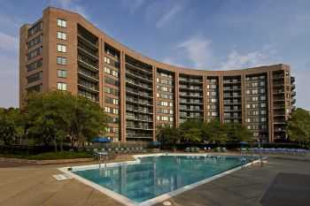 Easy Access To Downtown Dc Metros!