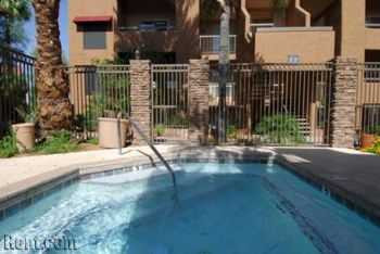 1b1b Gated Community W Great Amenities