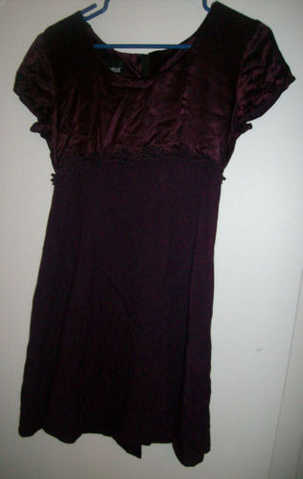 Girls Burgundy Dress Size 7 / 8