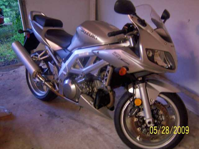 2003 Suzuki Sv1000s Motorcycle Silver Garage Kept