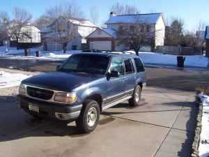 2000 Ford Explorer Xlt Awd / 4wd One Owner
