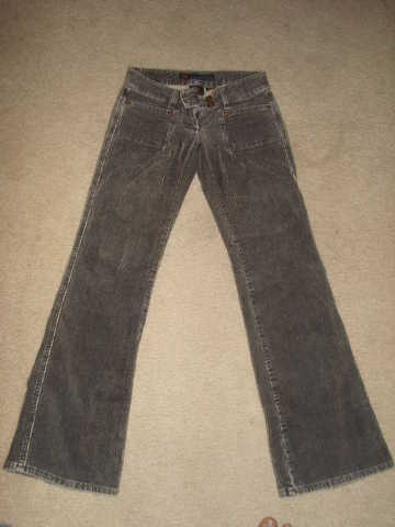 20 Pieces Of Brandname Jeans For $100