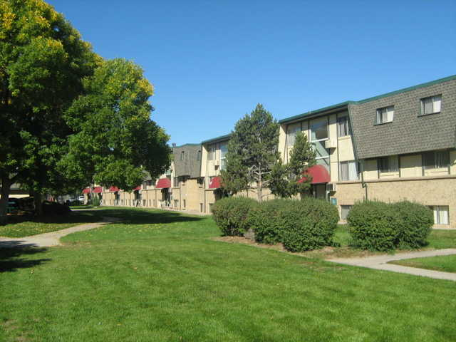 $595 / 2br - Come See Our 2 Bedrooms Ready To Rent Now!