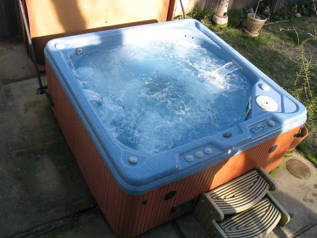 Keys Backyard Jacuzzi : Spa, Hydrotherapy 6 Man Spa  Used Keys Backyard Kbsb43154 $1,700