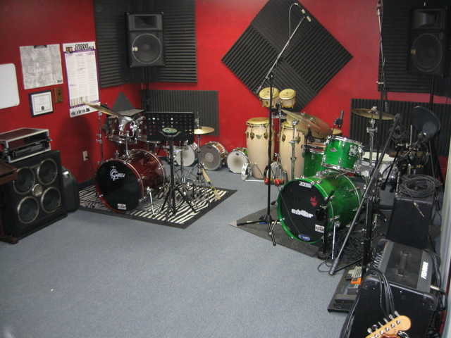 Guitar - Piano - Voice - Drum Lessons