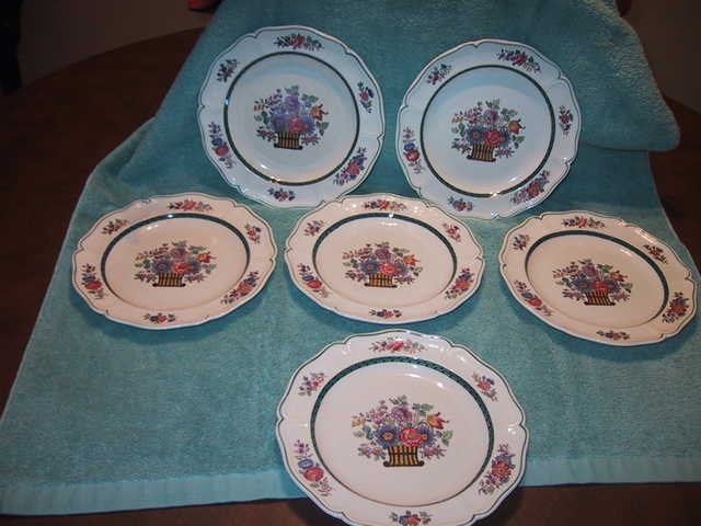 Lovely Set Of 6 Antique Wedgwood Floral Plates