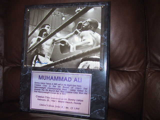 Muhammad Ali Hand Signed Autograph / Plaque (Limited Ed.)