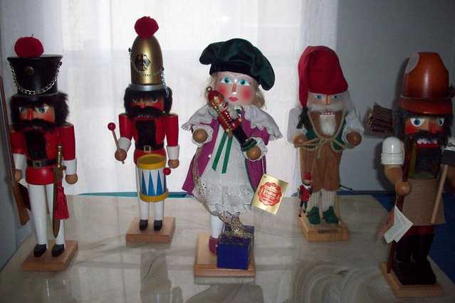 Steinbach Nutcrackers And Smokers