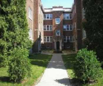 2 Bd W Private Entry, Wood Floors, Laundry More