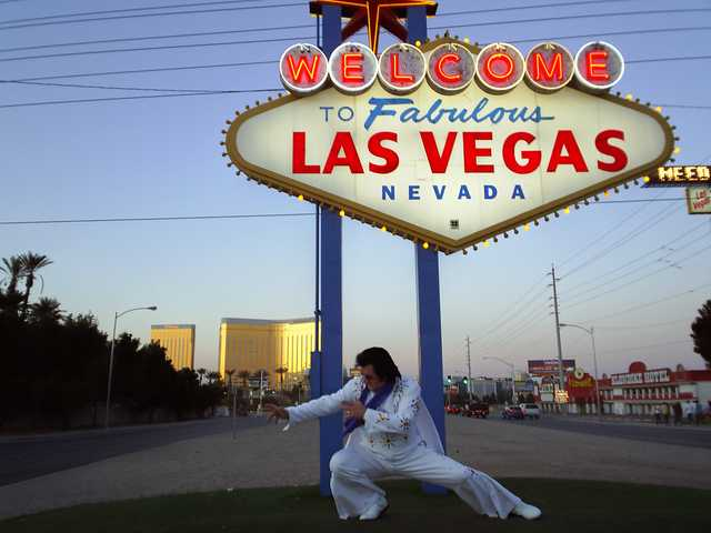 Elvis Tribute Artist From Las Vegas