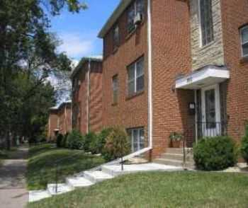 Highland Park 2 Bedroom Walk To Everything!
