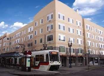 Downtown Living, Lightrail At Your Door!