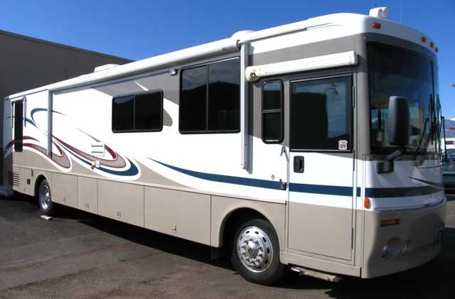 Used Diesel Class A - 2003 Winnebago Journey For Sale