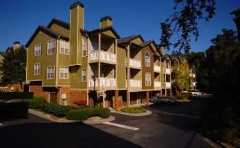 2 Bed 2 Bath Apartment W Attached Garage!