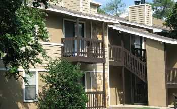 Low Rent On This 2 Bedroom 1 Bath In Martinez