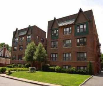 Nutley 2 Bed In Beautifully Landscaped Building