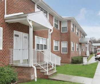 1 Bed W Easy Access To Shopping, Dining More!