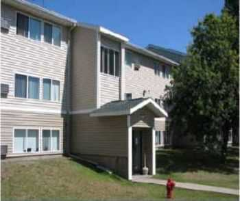 3bed In Mountain Iron, Large Closets, Near Shops