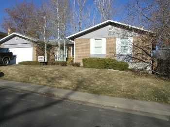 3 Bed2 Bath For Rent In Centennial. Free Lawncare!