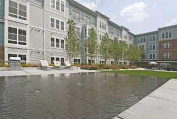 Luxury Apts Just Minutes To Boston, Reduced Rates!