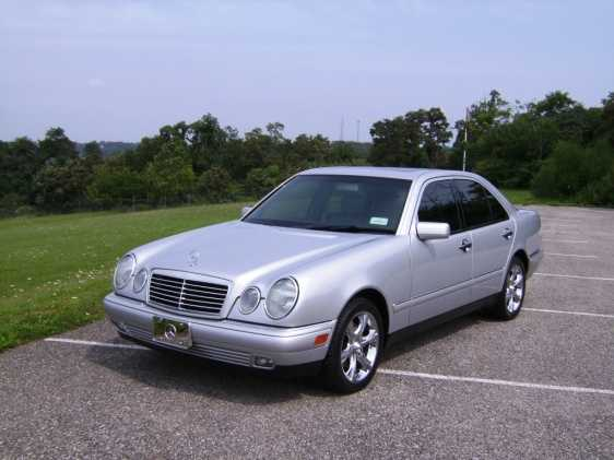 Low Mileage 1998 Mercedes - Benz E320 Sedan