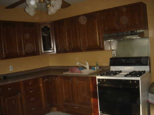 3 Bdrm Apartment, Clean, Great For Students