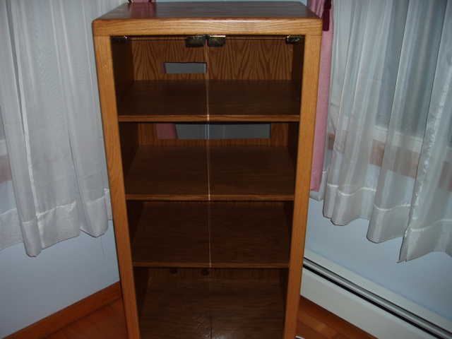 Charmant Stereo Cabinet