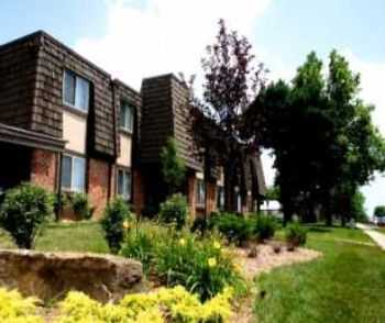 Resort Style 3 Bedroom Apartment In Overland Park