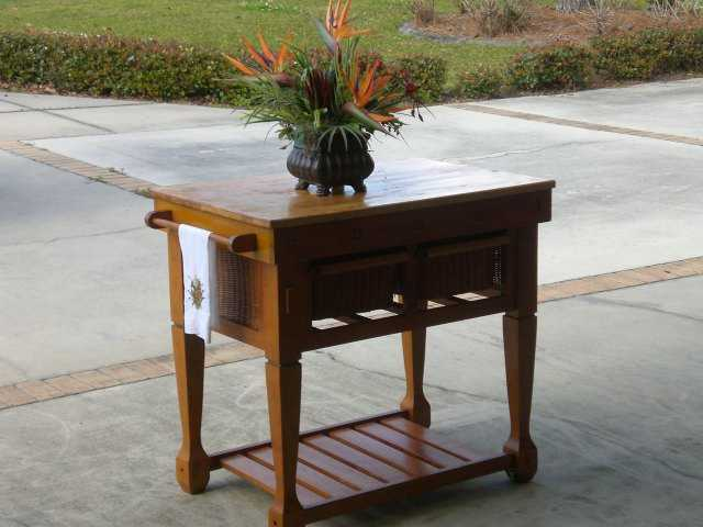 Kitchen Island - Solid Wood - Havertys Tropical Style - $65.00 Obo