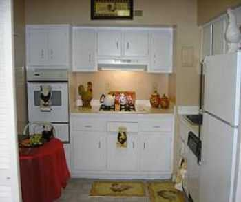 Baltimore 1 Bed Apt W Large Closets, Balcony