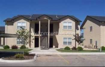 Beautiful Upperlevel 2 Bedroom Meridan Must See!