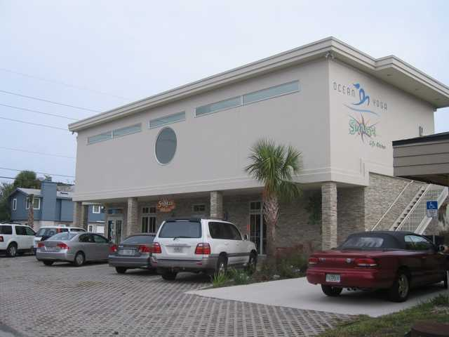 $2000mo / 1200ft2 Hi Traffic Flexible Retail Space Atlantic Beach