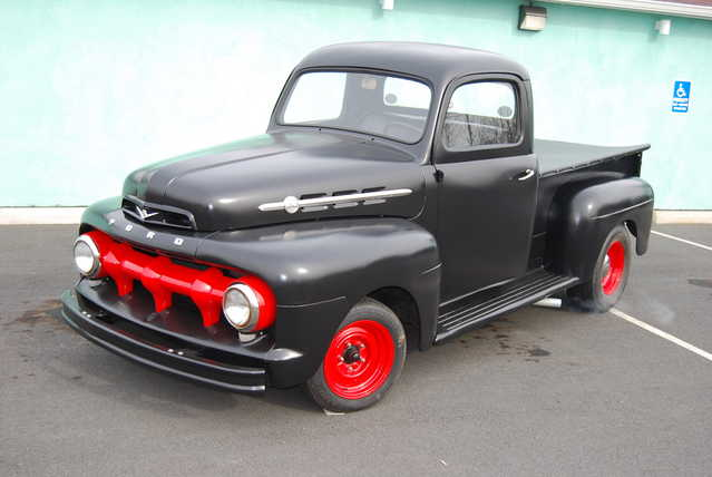 1952 Ford F1 Flat Head V8 4 Spd!