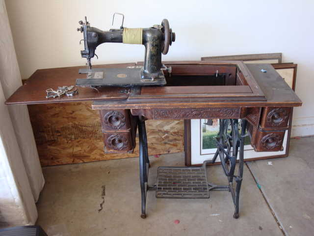 Antique Singer Sewing Machine Used 4040 Lake Montezuma Fascinating Value Of Singer Sewing Machine