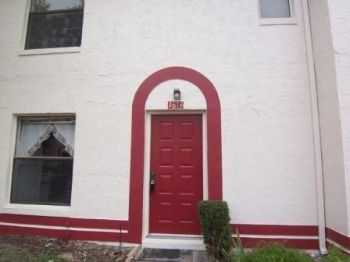 Affordable 2 Bed 2.5 Bath Townhouse In Orlando