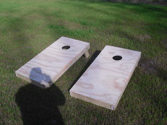 Corn Hole / Bean Bag Toss