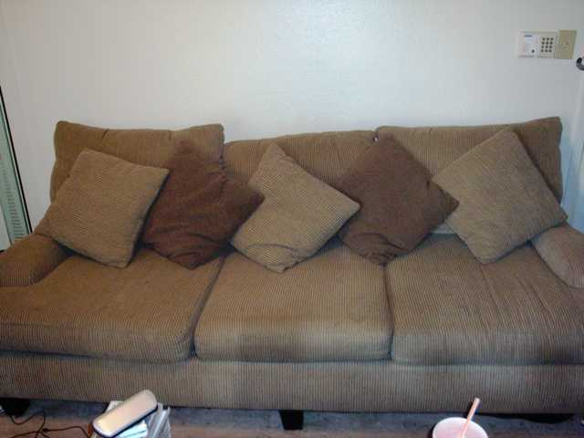 Comfy Overstuffed Couch Used Sofa Mart 200 281 Thousand Oaks Dr