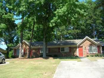 2 Bedroom W Screen Porch Move In Special!