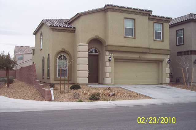 Gorgeous 2 Story 4bd, 2.5 Ba, House In Quiet Gated Community
