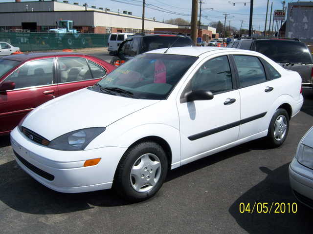 Very Clean 2004 Focus With Only 90k Very Nice Clean Reliable Car