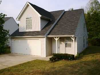Douglasville 2 Bed Whigh Ceilings, Open Floorplan