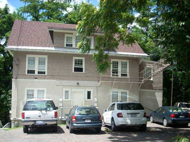 Subletters Wanted! $600 - 700! 3 Bedroom Apartment In Collegetown!
