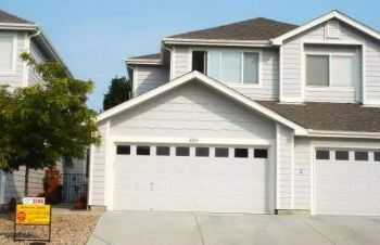 Townhouse Rental Home In Thornton
